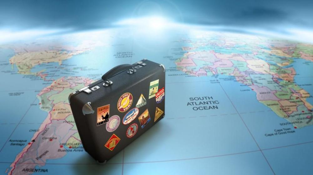 new-years-resolution-travel-more-it-makes-you-l-yhvs3i